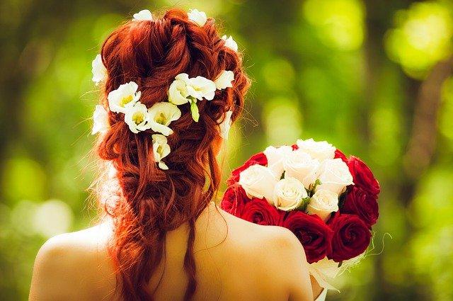 ślub w kolorze bordo