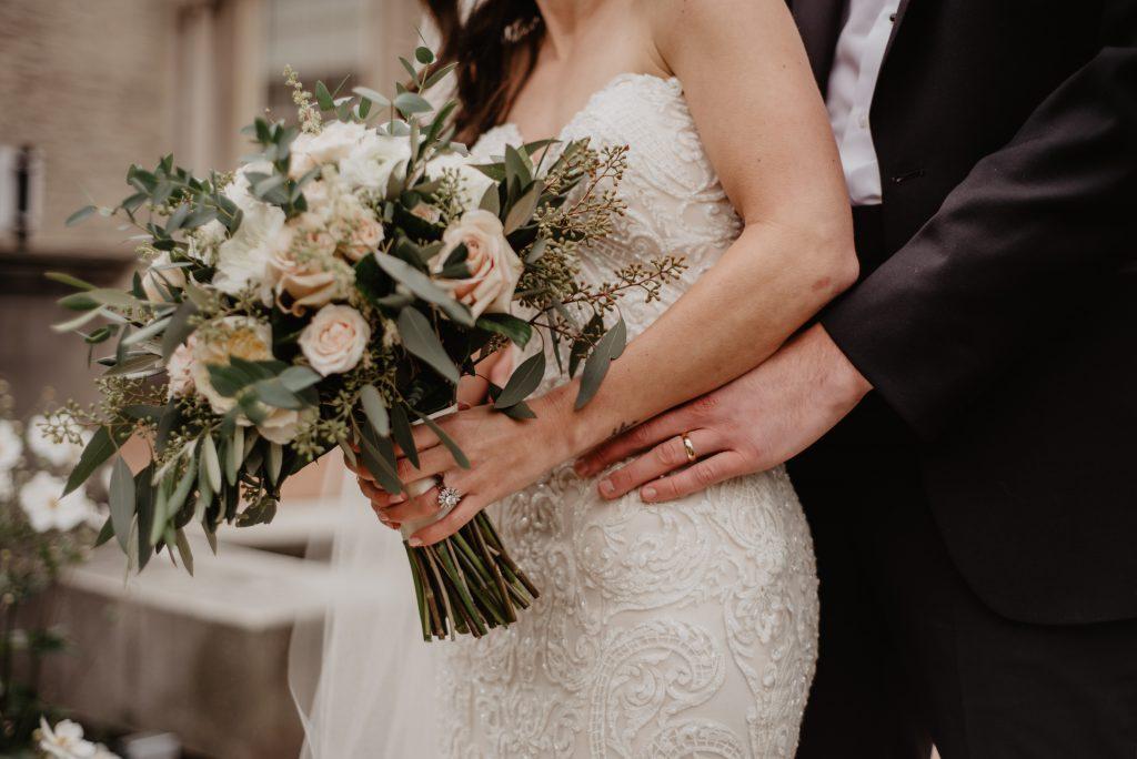 suknia ślubna seksowna